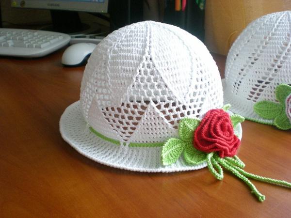 Tığ İşi Bebek Örgü Şapka Modeli