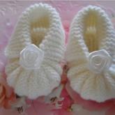 Beyaz Örgü Bebek Patiği Modelleri