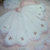 Beyaz Elişi Örgü Bebek Elbisesi Modelleri