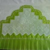 Yeşil Beyaz Gül Desenli Pike Modelleri